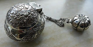 Antique I9Ndonesian Batak Solid Silver Betel Nut Container Box Repousse