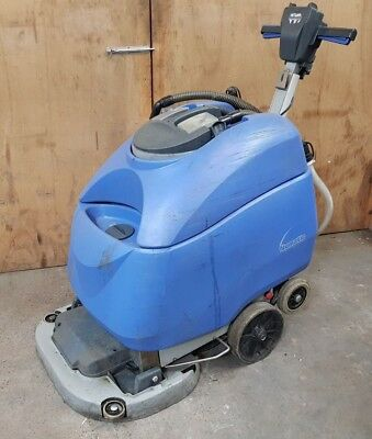 Numatic Ttb 6652/200S Scrubber Dryer Scrubbing / Cleaning Machine