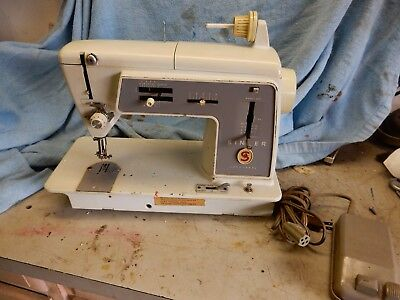 PREOWNED SINGER SEWING Machine Model 40 W40 Stitch Function Unique Singer 40 Stitch Sewing Machine