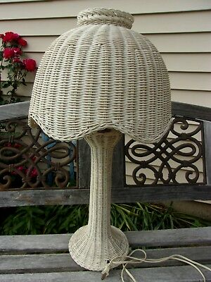 """Vintage 28"""" High Off White WICKER Shabby Chic Cottage Table Lamp ~ 3 Way Switch"""