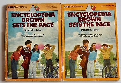 lot of 2 Encyclopedia Brown SETS THE PACE Book / 1982 Printing