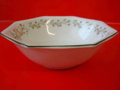 Johnson Brothers Eternal Beau Round Salad / Serving Bowl