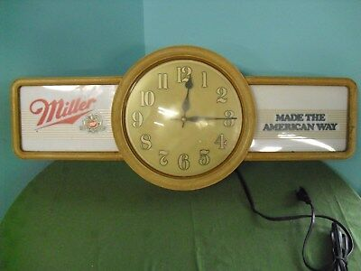 """Vintage Miller """"Made The American Way"""" Lighted 1986 Bar Spinner Clock Man Cave"""