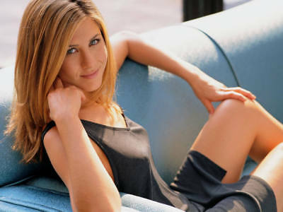 Jennifer Anniston Posing In The Furniture 8x10 Photo Picture Print