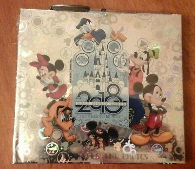 """2018 Walt Disney World """"The Year To Be Here"""" Autographs & Photos Book w/Pen New"""
