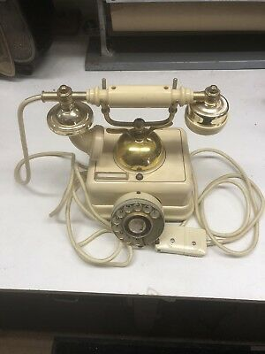Vintage Antique Style Phone Old Fashioned Retro Handset Old Telephone Off Prof
