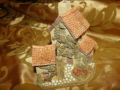 "1982 David Winter Cottages ""Ivy Cottage"" Hand Made & Painted Retired"
