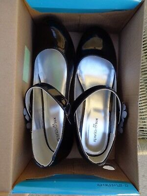 Girl's Black Pat and Leather Like Dress Shoes NIB Size  1M