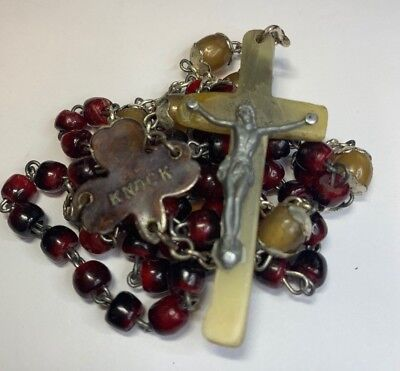 † Htf Unique Vintage Knock Dyed Red & Capped Natural Irish Cattle Horn Rosary †