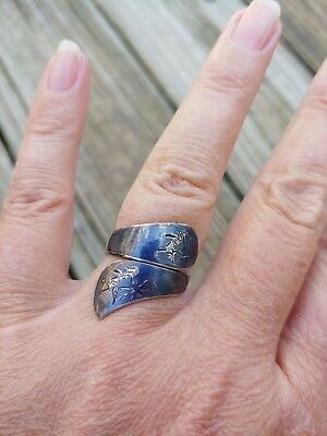 Vintage Sterling Silver Navy Blue Siam Bypass Style Ring 7 Beautiful Etching