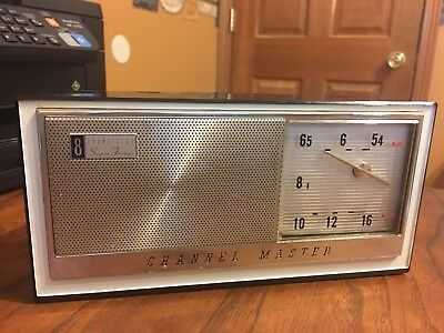 Vintage Channel Master  6515B  Am  8 Transistor Radio Works!  Includes Case