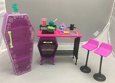 Mattel Monster High Home Ick Classroom Playset 2013.Good Used Played condition.