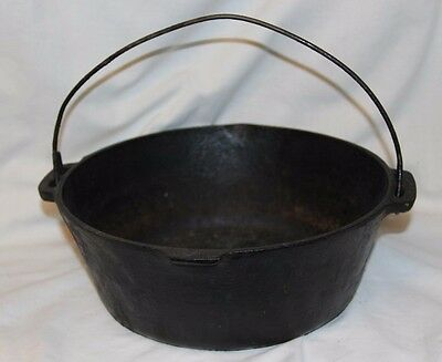 Vintage Cast Iron Dutch Oven ~Great Condition~~ Seasoned ~Very old