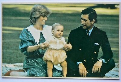 Postcard-Royalty.new Zealand.diana & Charles With William.government House 1983
