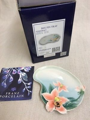 Franz Porcelain Bumble Bee and Honeysuckle Pin / Trinket Dish FZ00036UKT Mint