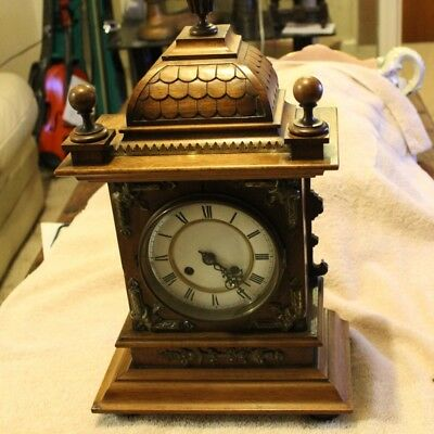 VINTAGE Mantel CLOCK - Porcelain Dial - Key wound & Key Included - 1 Hour Chime