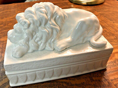 Fitz And Floyd 1983 Lidded Lion Trinket Cigarette Box White