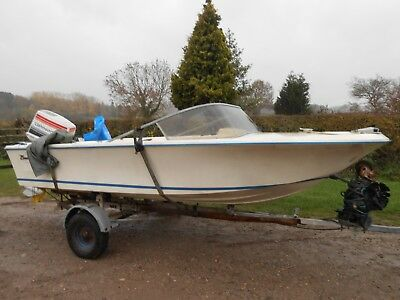 Classic Broom Speedboat BARN FIND Been stored away for years. spares or repairs