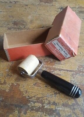 Vintage IP Hyde No. 9 Smoothing Roller Tool ~ USA 2""