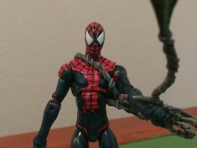 "Spider-Man 3.75"" Action Figure Series 2 #1 Hasbro Marvel Universe 2011"