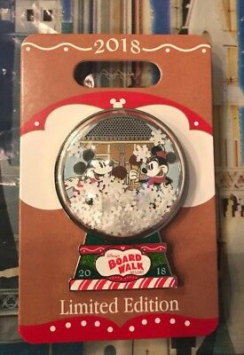 Disney Boardwalk Resort Gingerbread Display Mickey and Minnie Mouse Pin LE 1500