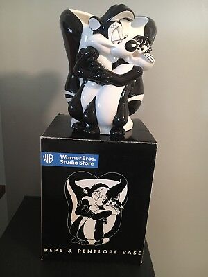 Original 1997 Pepe Le Pew and penelope vase black and white with red heart