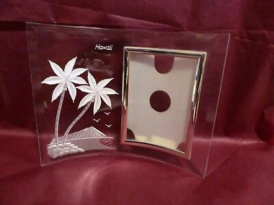 """1980 Hawaii Acrylic Picture frame Diamond Head Palm Trees 3.5"""" X 5"""" Picture Size"""