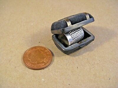 Silver thimble  with thimble case