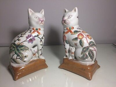 Pair Of Vintage Chinese Oriental Cats. Porcelain Ornaments.
