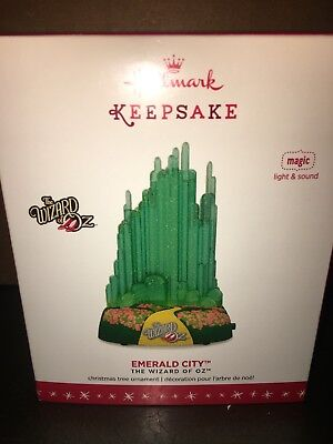Emerald City 2016 Hallmark Wizard of Oz Ornament Yellow Brick Road Lights Music