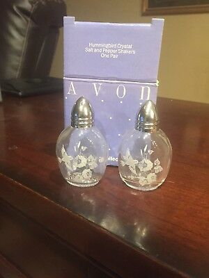 Vintage Avon 24% Lead Crystal Glass France Hummingbird Mini Salt & Pepper Shaker
