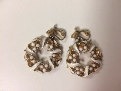 True Vintage 50s 60s gold tone white Hoops Hoop Earrings Clip On