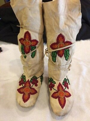 Vintage Native American Indian Beaded Moccasins WOW