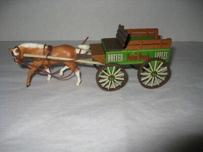Breyer Stablemates #5985 - Horse Power Buckboard Delivery Wagon Set