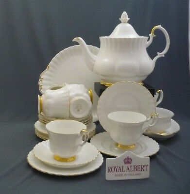 Royal Albert England Val D'or Pattern Bone China 23 Piece Tea Set Service for 6