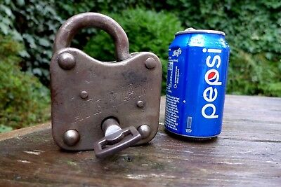 Antique Large '' Vaterland'' Padlock with one key working order heavy collector*