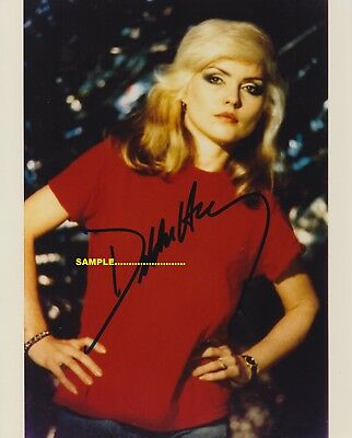 Blondie, Debbie Harry signed 10x8 Feisty posed photo with Certificate