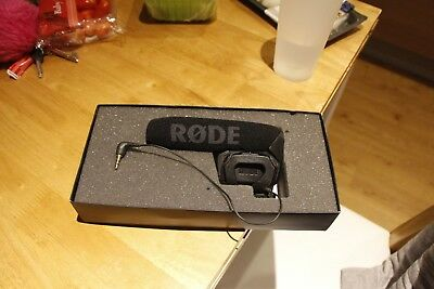 RØDE Microphones VideoMic Pro R Compact Directional on Camera Microphone