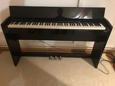 Roland F-110 Digital Piano