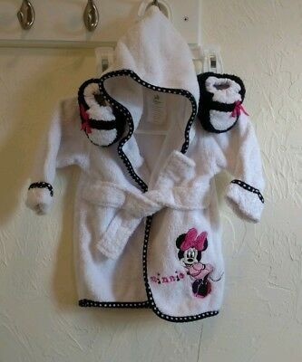 Minnie Mouse Set Of Baby Girl Bathrobe And Slippers, size 0-9 Months