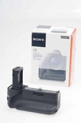 Sony VG-C1EM Vertical Battery Grip for Alpha a7, a7R                        #627