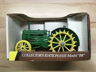 """John Deere 1935 """"BR"""" Collector Toy Tractor by Ertl, #5586, NIB, Collectible"""