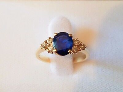 VERY NICE 1970s SAPPHIRE WITH 6 SMALL ROUND DIAMONDS 14K YELLOW GOLD RING 7.75