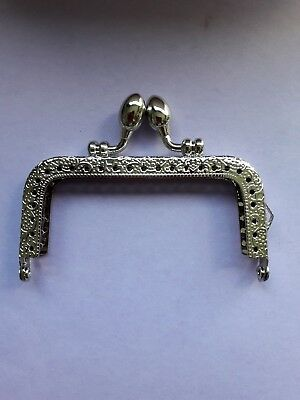 1 Metal Silver Frame * Kiss Clasp For Purse/Bag MAKE YOUR OWN PURSE @@LOOK@@
