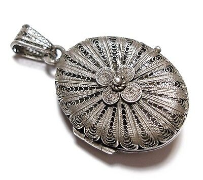 Beautiful Antique Victorian Silver Filigree Locket Pendant For A Chain (A6)