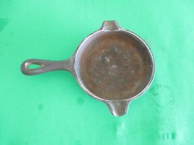 vintage Wagner Ware #1050 small cast iron skillet frying pan ashtray