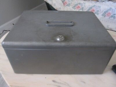 Vintage Erie PA Metal Security Lock Box With 3 Keys
