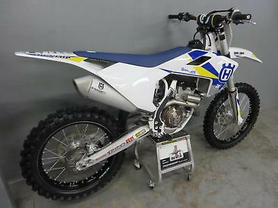 Husqvarna FC 250 2018 33 hours -Ktech spring fork conversion,MINT condition