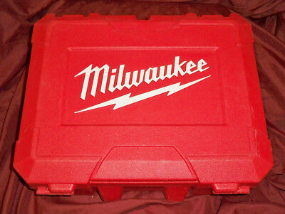 Milwaukee M18 FUEL Hammer Drill/Driver Kit 2704-22 in case