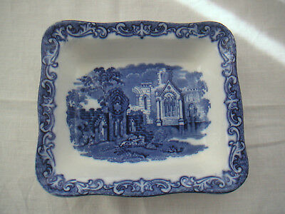 George Jones Abbey Blue and White Shredded Wheat Dish large size